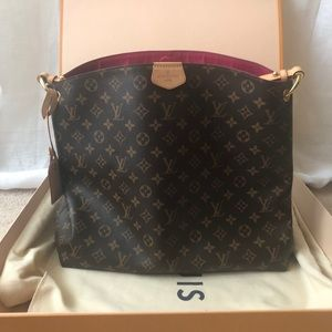 LV Graceful MM Hobo Monogram in Pivoine color.